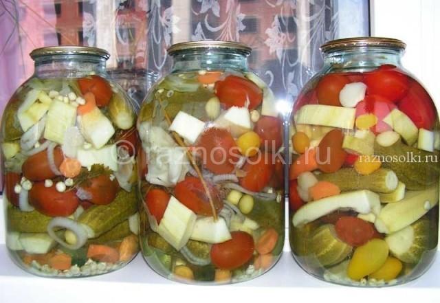 Маринованная овощи или суповая заправка