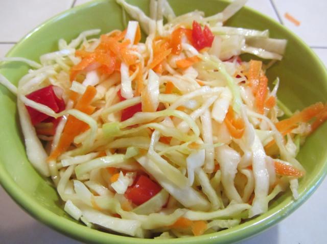 Как посолить капусту с болгарским перцем