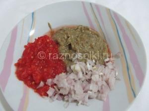 баклажаны с томатом и луком