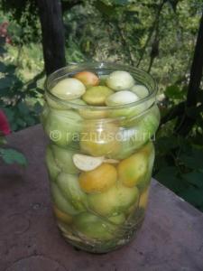 консервирование зеленых томатов