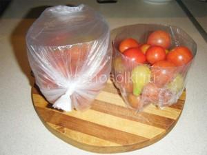 упоковать томаты в пищевую пленку