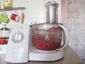 Ильмельчение помидор в блендере