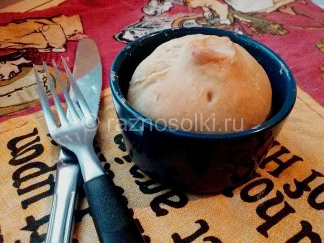 Круглый пирог с маслятами и картофелем