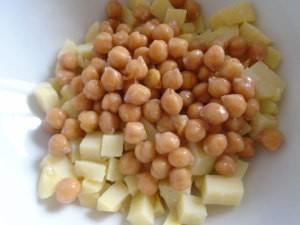 картофель и нут