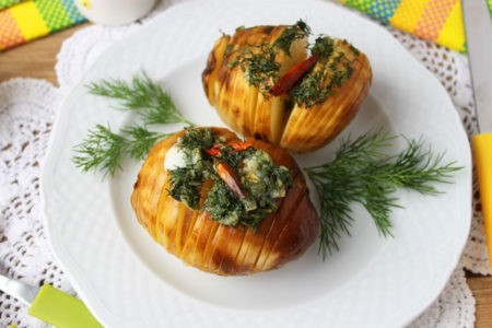 Запеченый молодой картофель в духовке