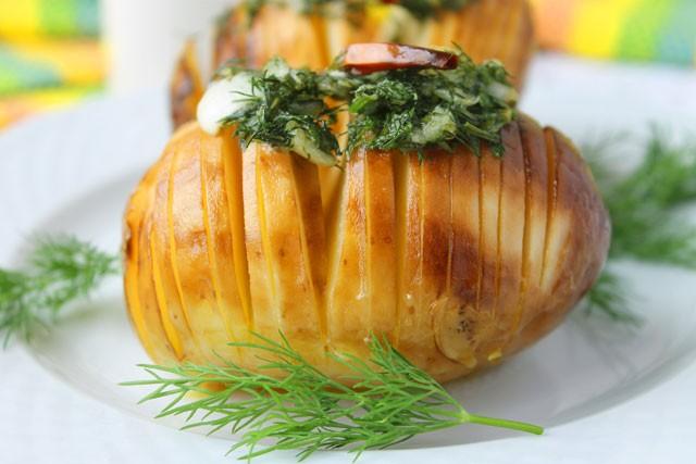 Картофель запеченный в духовке Гармошкой
