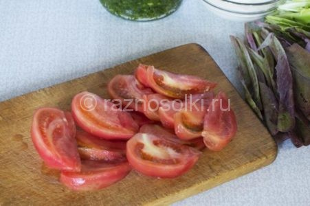 Нарезка томатов для салата