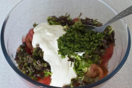 Чесночные стрелки в салате