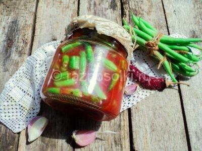 Стручковая фасоль в томатном соусе в банке
