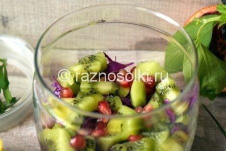 Слой киви в салате