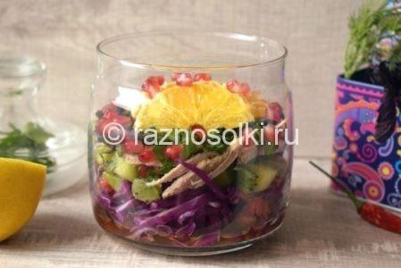 Красивый салат из капусты в банке