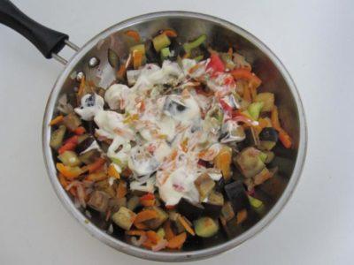 Овощи со сметаной