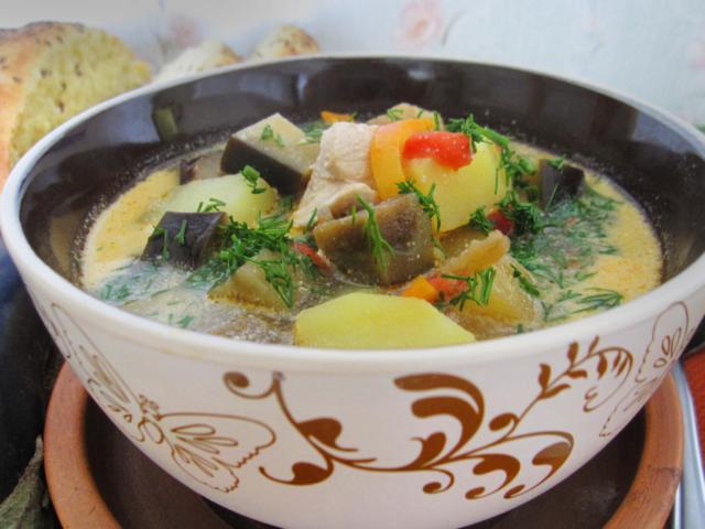 Куриный суп с баклажанами