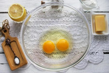 2 яйца для запеканки