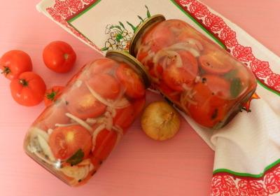 зимний салат из помидор и лука