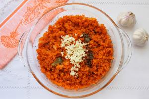 Чеснок к моркови
