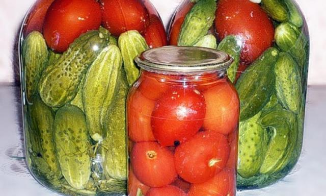огурцы с помидорами консервированные
